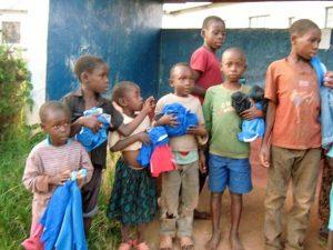 Fattige børn får tøj